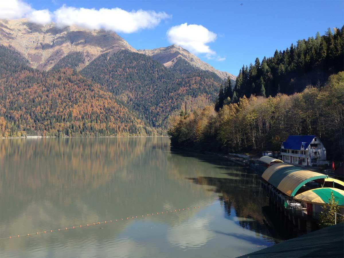 Абхазия. Озеро Рица, и город Новый Афон